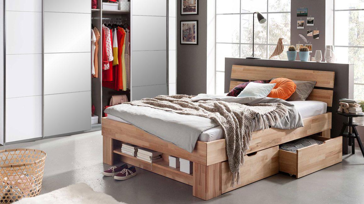 Doppelbett-Elfo-moebel-aus-Holz-in-Holzfarben