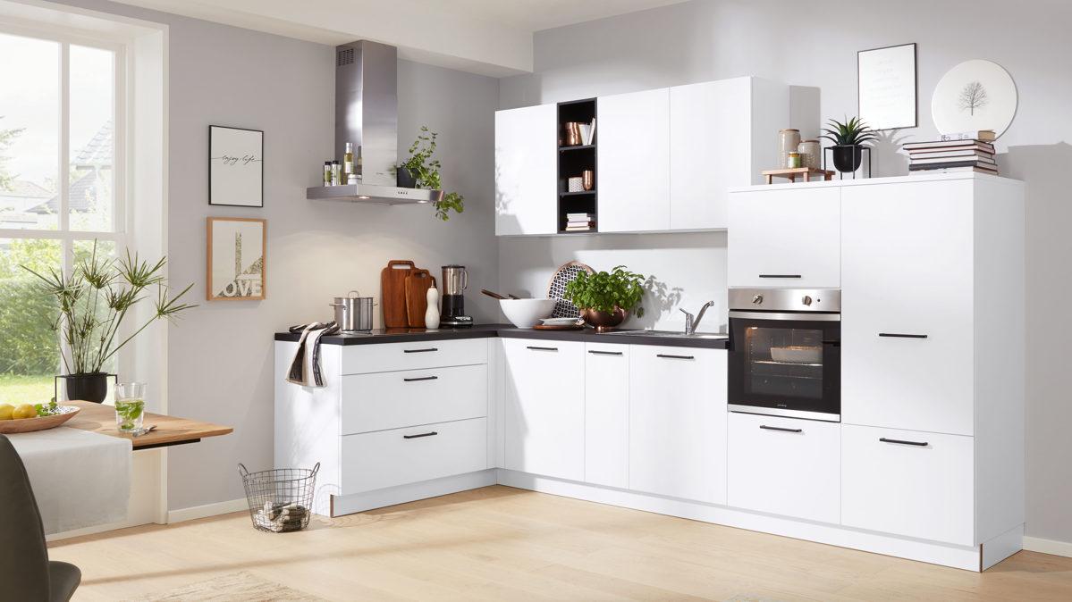 Interliving Küche Serie 3015 mit privileg Einbaugeräten
